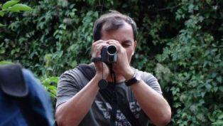 Φωτογραφία από το Κινηματογραφικό Εργαστήριο με τον σκηνοθέτη Βασίλη Λουλέ στο Ίδρυμα «Μιχάλης Κακογιάννης»