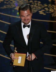 """Leonardo DiCaprio accepts the Oscar for Best Actor for the movie """"The Revenant"""" at the 88th Academy Awards in Hollywood, California February 28, 2016. REUTERS/Mario Anzuoni - RTS8H1M"""