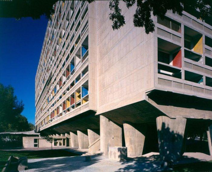 Κτιριακός όγκος συλλογικής κατοίκησης στην Μασσαλία της Γαλλίας (Unité d'habitation, Marseille, France) 1945