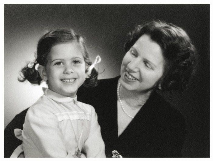 Αγαπημένη Θεία Λένα: Η ζωή και το έργο της Αντιγόνης Μεταξά, Μουσείο Μπενάκη