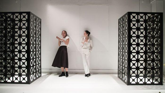Οι φιλοξενούμενες του Artic.gr, Βίκυ Κατσίκα και Δέσποινα Κούρτη πρωταγωνιστούν στην Persona
