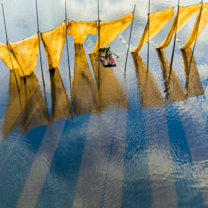Fishermen close to the net. Ge Zheng. Ανώτατο βραβείο του διαγωνισμού SkyPixel.