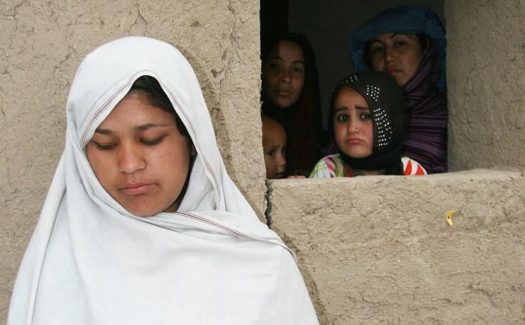 Αδελφές στη φυλακή, Najibeh