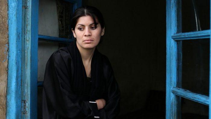Αδελφές στη φυλακή, Sara