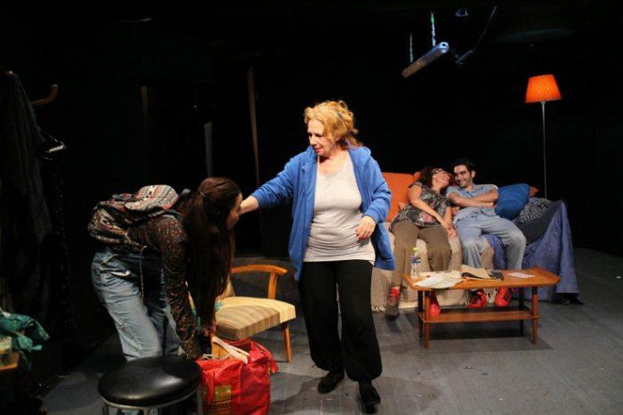 Η παράλειψη της οικογένειας Κόλεμαν, σκηνοθεσία Μαριτίνα Πάσσαρη επιστρέφει στο Θέατρο Οδού Κεφαλληνίας