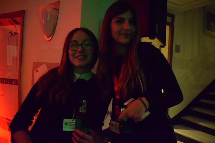 Εθελόντριες στο πάρτι του Φεστιβάλ
