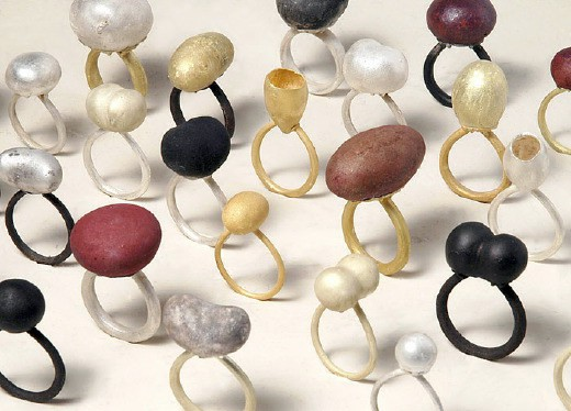 Δημιουργίες κοσμημάτων του καλλιτέχνη Peter Bauhuis
