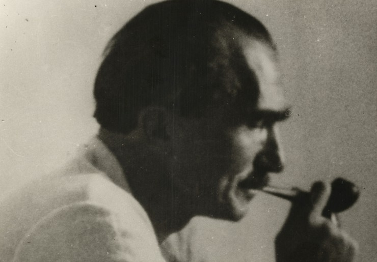 Ο Νίκος Καζαντζάκης στοχάζεται