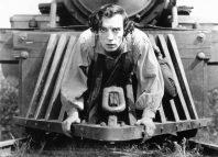 Μπάστερ Κίτον από την ταινία Ο Στρατηγός σε μία εξαιρετικά ριψοκίνδυνη στιγμή