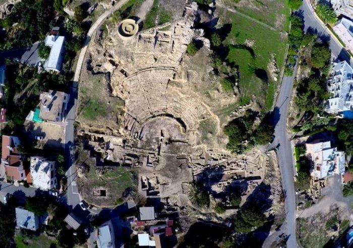 Το αρχαίο θέατρο της Νέας Πάφου.